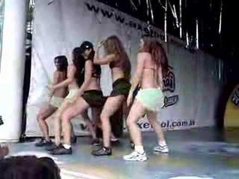Dança do créu no Axé Moi – Porto Seguro