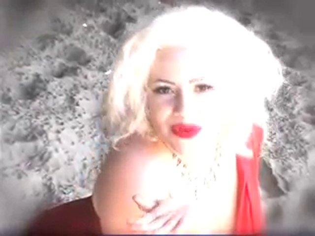 La Cholita- The Latina Queen of Burlesque Dancers!