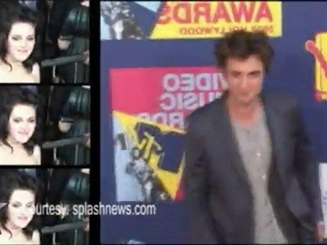 Kristen & Robert Dance for Fans in Brazil
