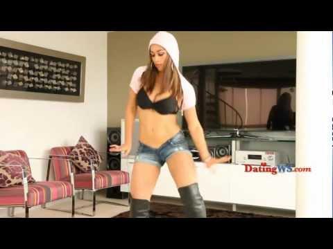 SEXY LATINA DANCE MENEANDO SABROSO CULITO ►► Full HD ◄◄