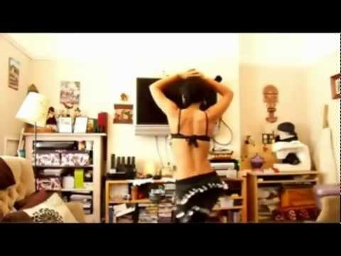Sexy Latina Dancing Reggaeton