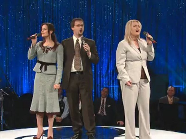 Bill & Gloria Gaither – All People That On Earth Do Dwell (feat. The Martins) [Live]