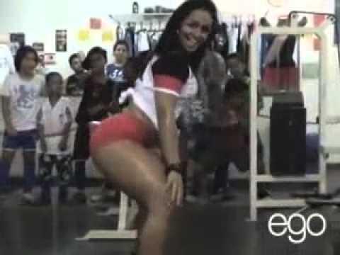 ANDRESSA SOARES MUITO GOSTOSA dança o créu