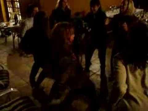 """Brazilian friends dancing """"CRÉU"""""""