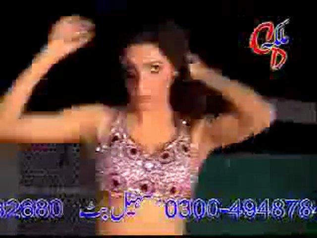 Mujra 2011 – Sexy hot women dancing mujra