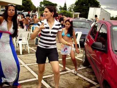 Amanda dançando creu