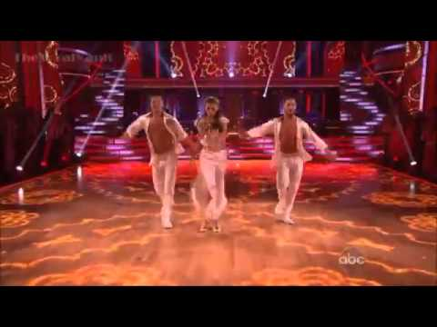 Zendaya and Val and Gleb – Salsa Trio Dance – Dancing with the Stars Season 16 – Week 8
