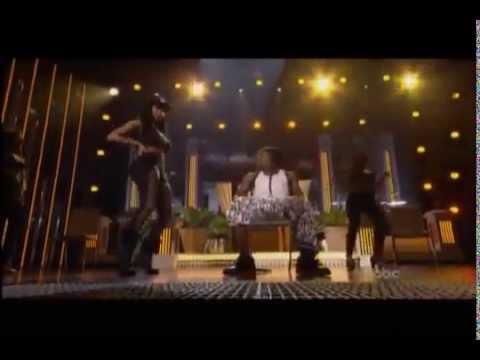 Nicki Minaj Gives Lil Wayne A Lap Dance On Stage While Performing 'High School'!