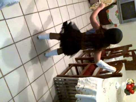 talento venezolano *La niña bailando Danza Do Creu*