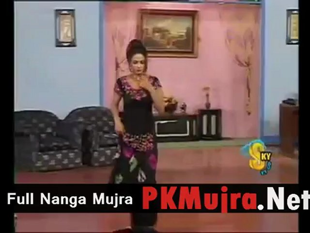 Nida chaudhry hot mujra without clothes 2013