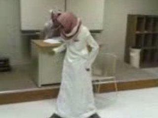 Funny – Arab Dance lollll