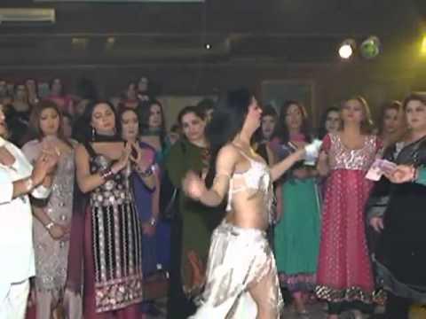pakistani (sonakshi sinha) new mujra 2013