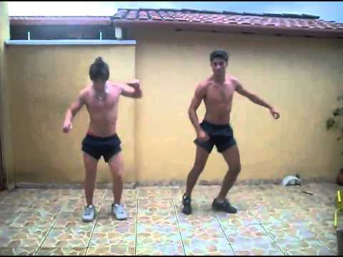 SHIRTLESS 2 Os Avassaladores