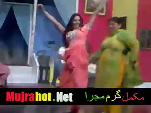 Payal Choudhary Live Mujra On Stage