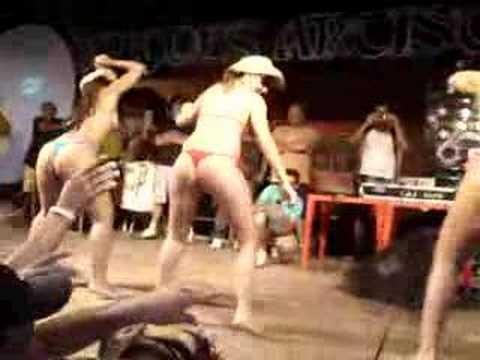 São Chico Cariocas dançando a Dança do Créu