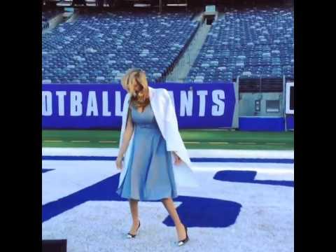Kate Upton Does Victor Cruz's Salsa Dance At MetLife Stadium Ahead Of The Super Bowl