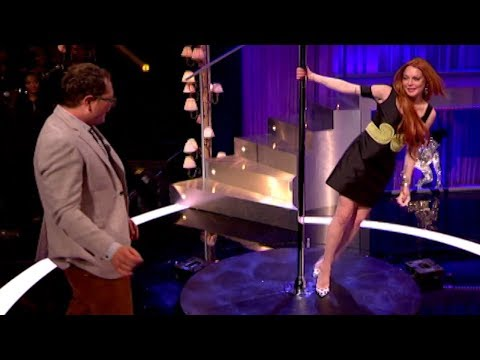 Lindsay Lohan Teaches Alan How To Pole Dance – Alan Carr Chatty Man