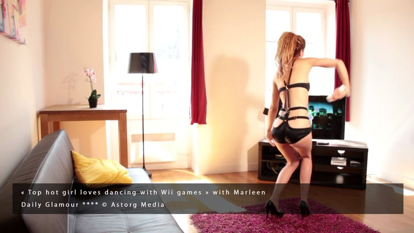 Sexy Girls Diary – Marleen : Top hot girl loves dancing with Wii games