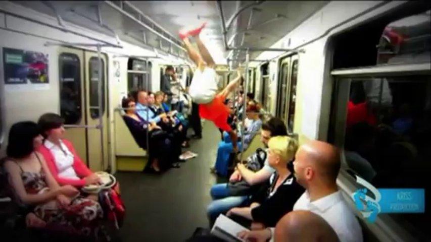 A Moscou, le pole dancing n'est plus réservé aux femmes
