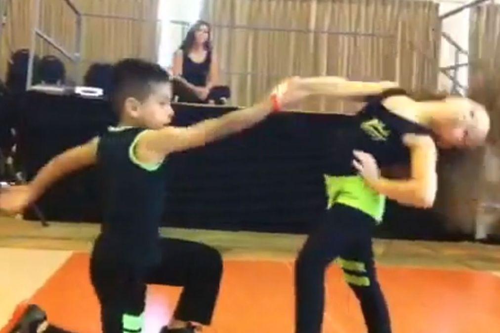 Dunya News – Kids perform amazing salsa dance