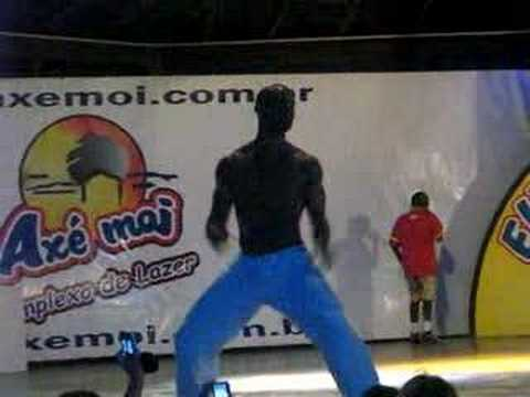 Rafael na Dança do Créu – Axé Moi