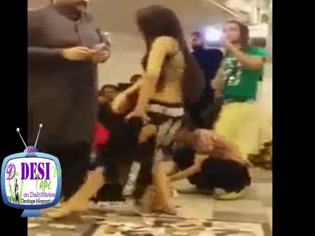Pakistani Private mujra party by hot girl