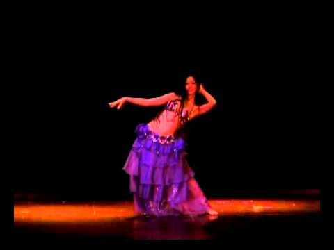 Belly dance. Leila y derbake