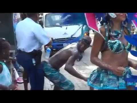 POLICE AND MALE DANCER MAPOUKA ST MAARTEN CARNIVAL 2014  video judith roumou