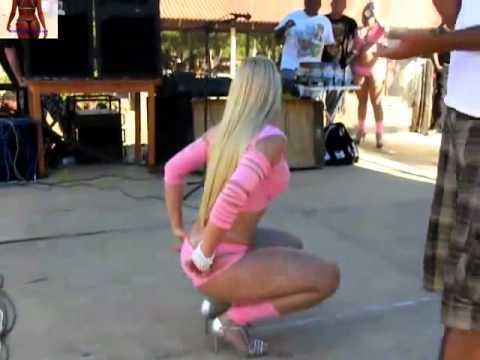 Loirinha Do Mc Creu Dançando gostoso