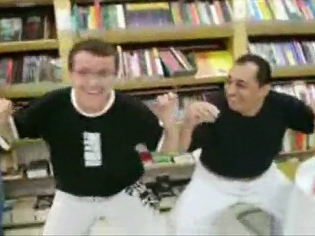 Kajuru faz a Dança do Siri