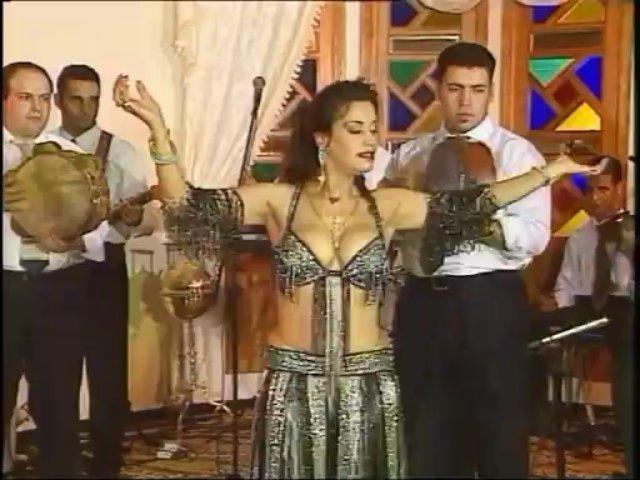 Mona Mohamed – Traction Derbuka – Oriental Belly Dance