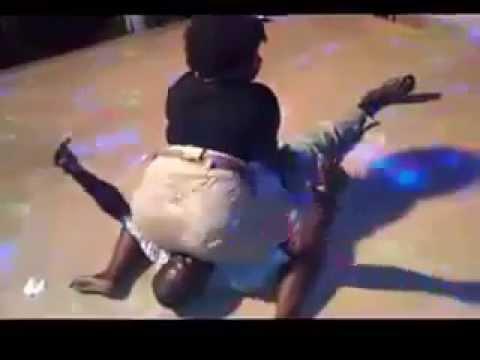 African Sexy Booty Shake Dance – Tribal Hot Twerk – Mapouka très sérré