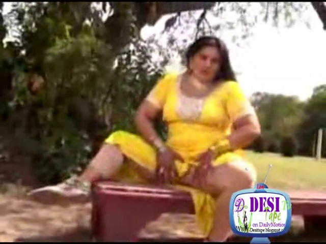 Hot Punjabi Big boobs B-Grade Mujra