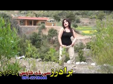 Khanda K Masti Da…..Muniba Shah Hot Sexy Dancer…..Pashto New Album Kamli Kamli