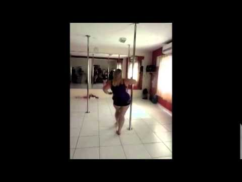 Emma Haslam Freestyle in Brazil at Suzian Prado Studio de Pole Dance