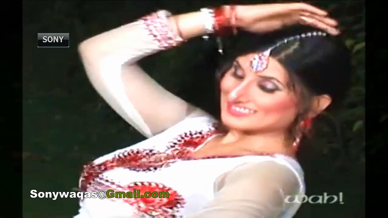 XNXX Must Watch Sexy Mujra Dance – Jawani Makkhan Jiven Malaai- New Hot Mujra 2014 By SonywaqasHD