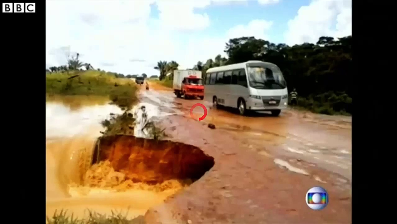 Brazil road swallows then spits out entire bus – YouTube_2