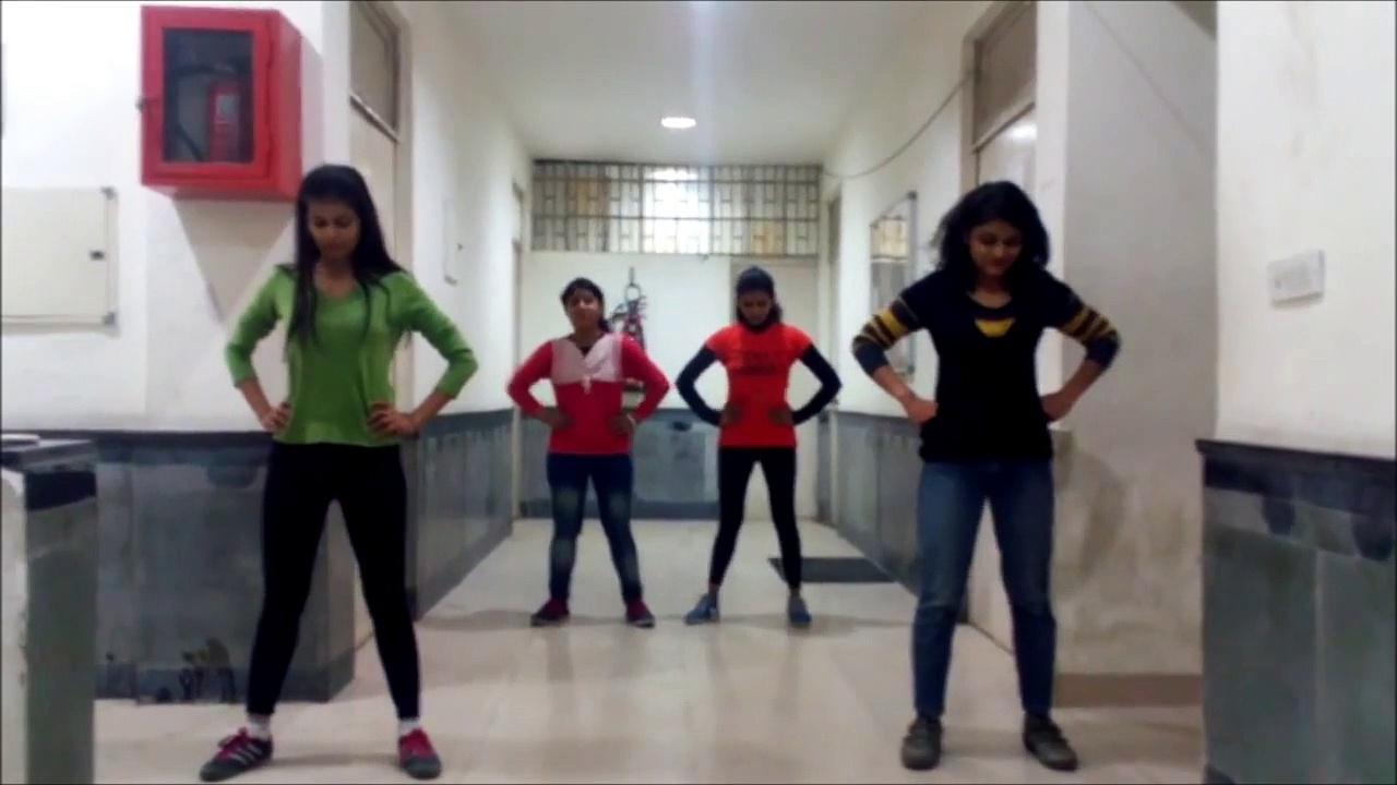 Sexy Girls Dancing on Chittiyan Galayian Song – Roy Hindi Movie 2105