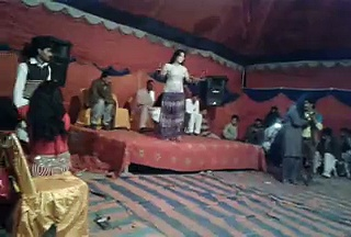 Mere nal muk le soniye song (mujra dance) MUST WATCH sexy hot