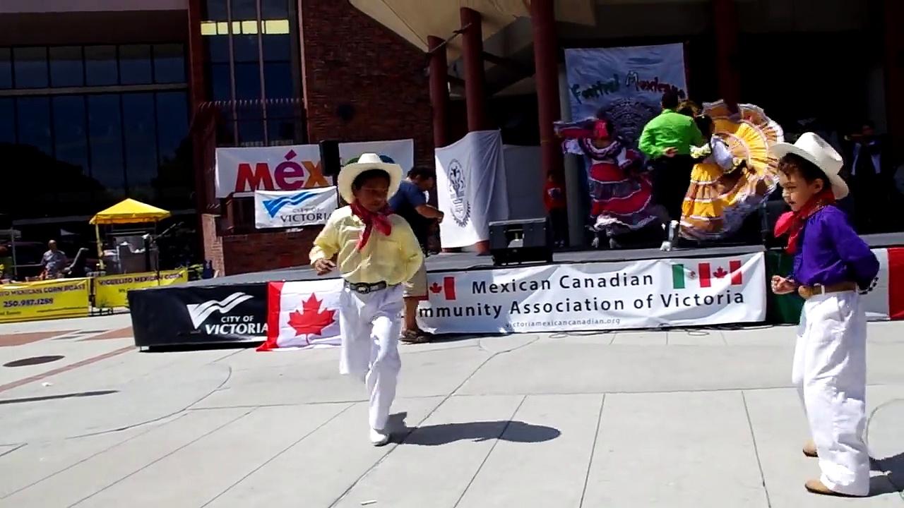 Ballet Folklorico Mazatl and the children of Fiesta Latina Folklore Dancers Victoria B.C Canada