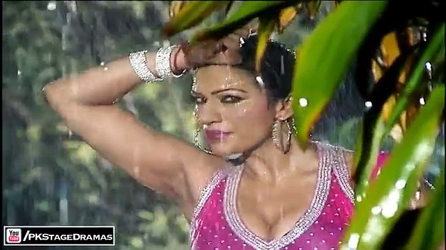 Rain Mujra – Saima Khan Sexy Saree Dance – Pakistani Mujra Dance 2014