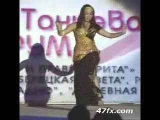 Very Sexy Woman Dancing Arabic Dance!