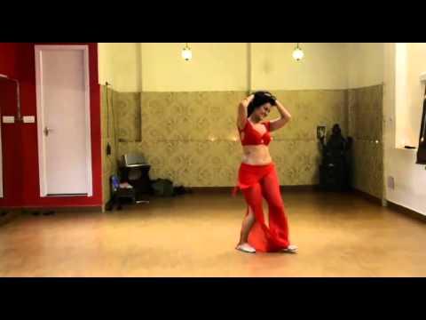 Meher malik belly dance!! Enjoy :-D