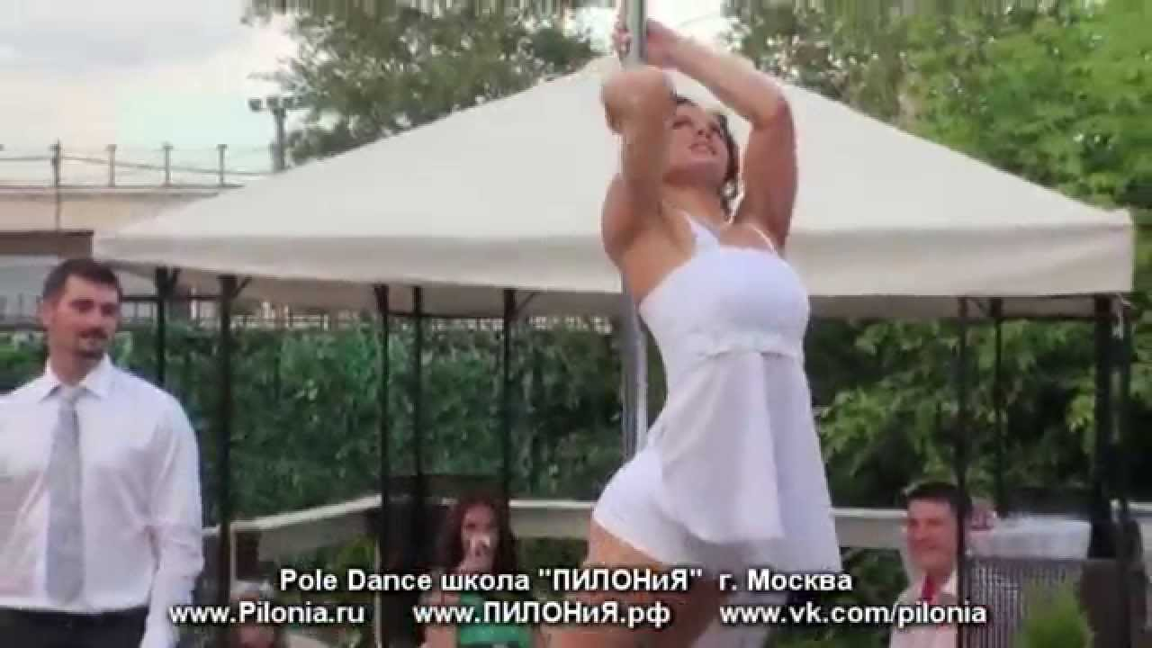 Невеста зажигает на шесте !!!  Супер свадебный танец  Pole Dance