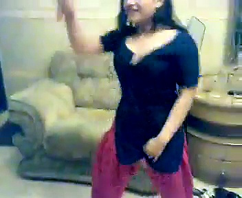 Enjoy 2 Sexy Girls sexy Dance…!! | Watch online 2 Sexy Girls Dance, Indian Desi Girl Home Hot Dance video
