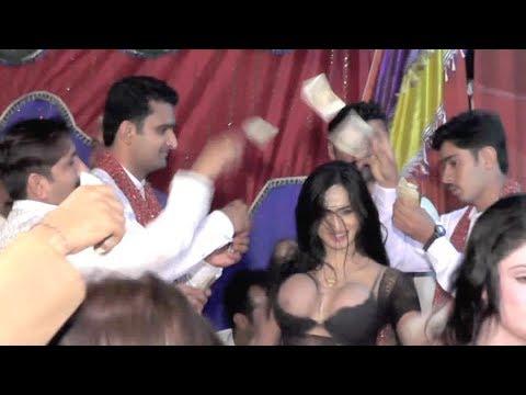 Latest Pakistani Mujra In Wedding Party 2018