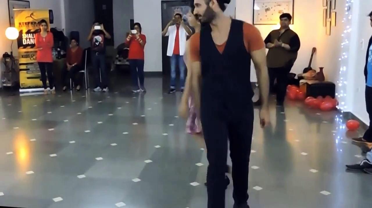 Nashe si chadh gayi – Bollywood Salsa Dance – StepKraft