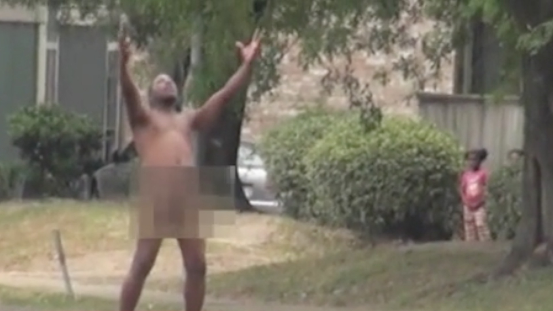 Nude Man Twerks in Street, Sings Beyonce