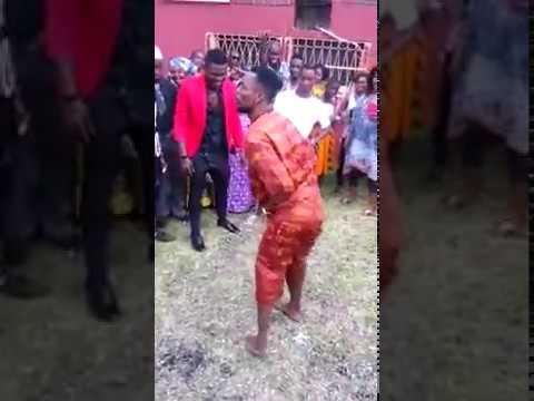 Serge Beynaud Danse du Mapouka a son Mariage
