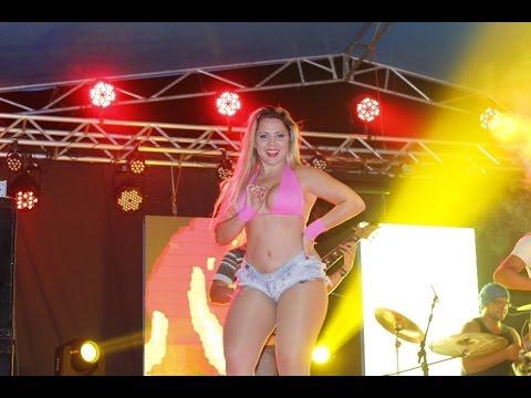 Josy Queiroz e Grazi Fonseca – Ex Dançarinas do MC Creu nos Palcos da Banda Beijo Apimentado